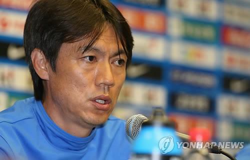 韩国男足加强战术分析 教头杜沙蒂尼耶与球队会合