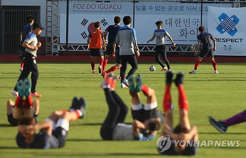 韩国队低调训练备战最后一场小组赛
