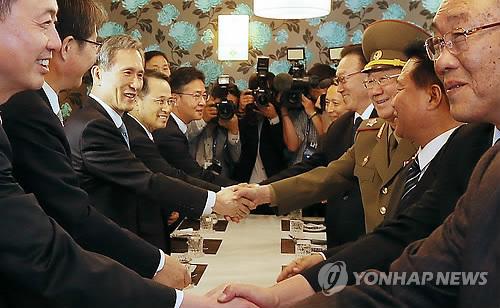 韩朝高层举行会谈 朝方称望此访有助于改善双方关系