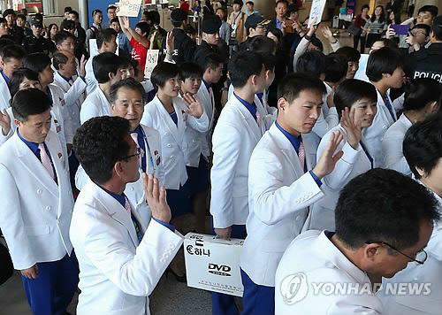 Jeux asiatiques : la dテゥlテゥgation nord-corテゥenne rentre テ� Pyongyang