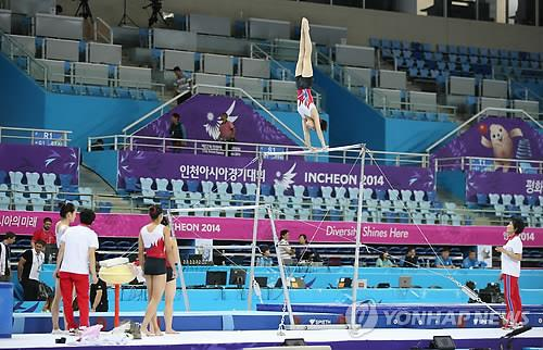 (LEAD) (Asiad) Former N. Korean gymnast laments short-lived career