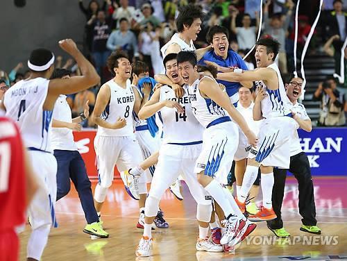(3rd LD) (Asiad) S. Korea beats Iran for men's basketball gold