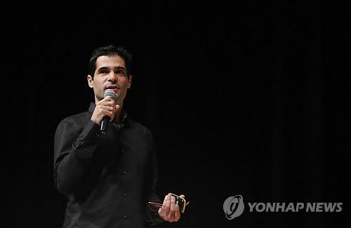(LEAD) (ITU) (Yonhap Interview) Privacy uncompromisable in messenger service: Viber CEO