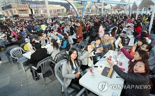 Thousands of Chinese tourists to taste Korean cuisine by Han River