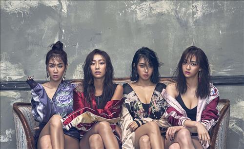 (News Focus) K-pop girl groups vie for summer queen throne