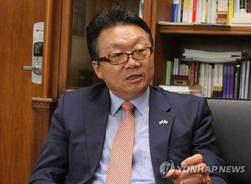 (LEAD) S. Korea, Japan have 'long way to go' in improving relations: new ambassador