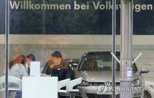 Imports of German cars drop on Volkswagen scandal