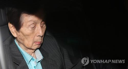 FTC to seek legal punishment against Lotte founder