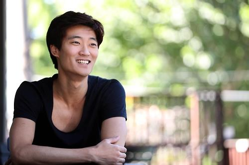 (Yonhap Interview) Ballerino Kim Ki-min yearns for more ingenuous, truthful dance