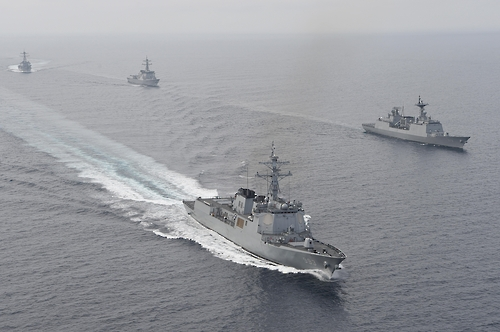 (LEAD) S. Korea, U.S. conducts joint naval drill in East Sea