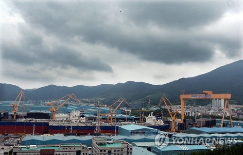 (News Focus) Korean shipyards forced to speed up restructuring moves