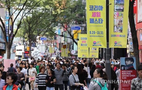 (News Focus) S. Korea's tourism faces tough time amid rising complaints