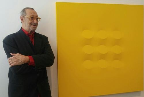 (Yonhap Interview) Turi Simeti captures minimalist beauty on shaped canvas