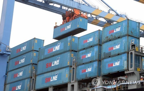 Consumer sentiment up in April on improved exports
