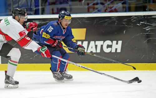(LEAD) S. Korean scorer 'not surprised' with team's winning streak at hockey worlds