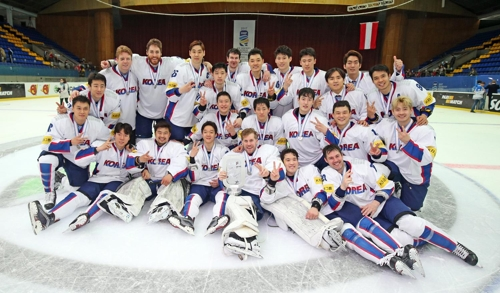 (LEAD) S. Korea promoted to top championship in men's hockey