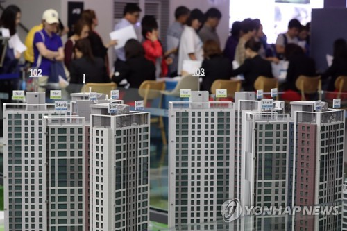 Number of property rental biz workers up sharply amid market boom: data