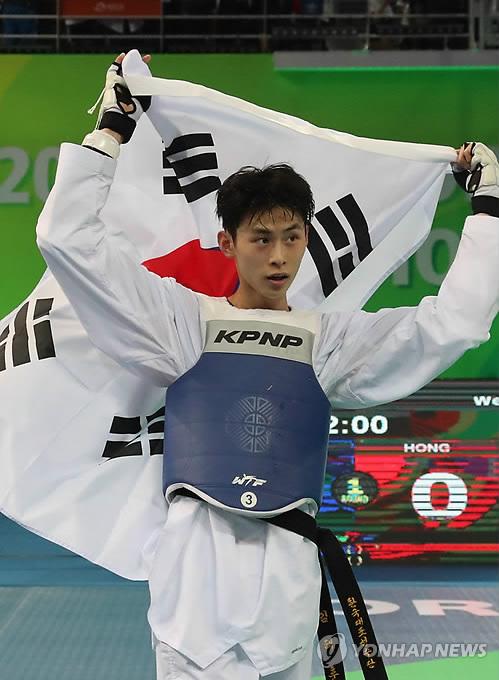 (2nd LD) S. Korean Kim Tae-hun wins 3rd straight gold at taekwondo worlds