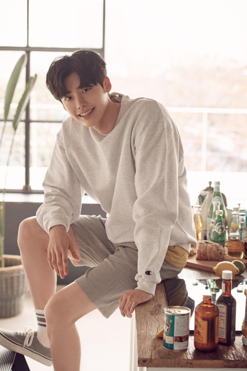 (Yonhap Interview) Actor Lee Jong-suk goes all out to play all-out evil