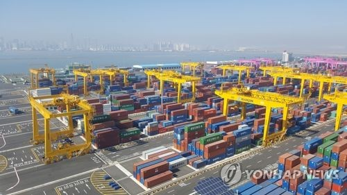 S. Korea's outbound shipments expand at fastest pace among top 10 exporters
