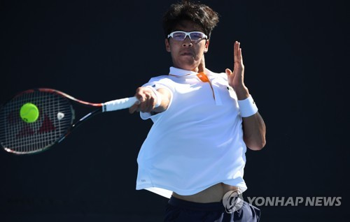 Chung Hyeon becomes 1st S. Korean to reach 3rd round at Australian Open