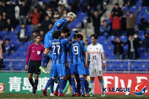(LEAD) S. Korean football club Ulsan earn 1st win at 2018 AFC Champions League