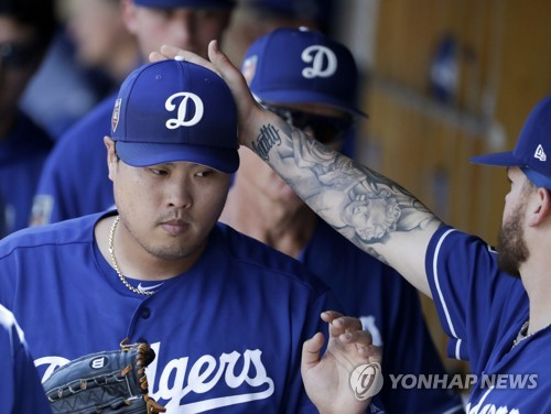 (LEAD) Dodgers' Ryu Hyun-jin picks up 2nd preseason win in best spring start