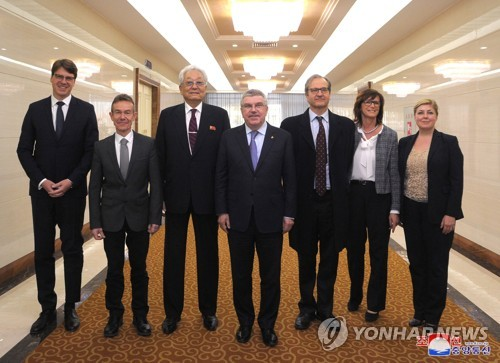 (LEAD) IOC President Bach meets with N. Korean sports minister in Pyongyang