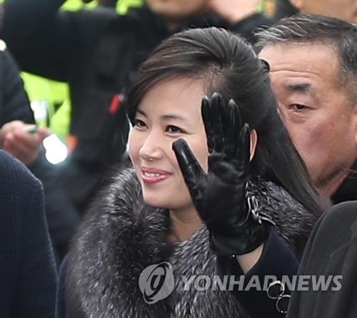 北朝鮮芸術視察団長「公演、成果を出せそう」 歓迎する市民に笑顔 <img src='http://img.yonhapnews.co.kr/basic/home/icoarticle.gif' border='0' alt='????'>