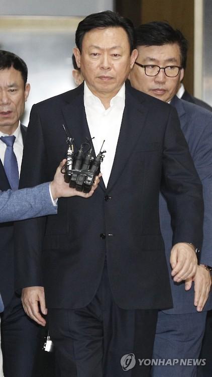 """'회장 구속영장청구' 롯데, """"현명한 법원판단 기대""""(종합)"""