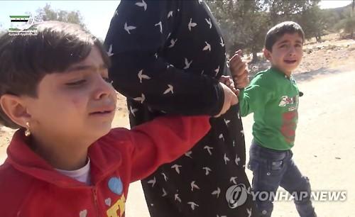 알레포 공습중단 러, 이들리브 폭격…학교서 어린이 22명 사망(종합)