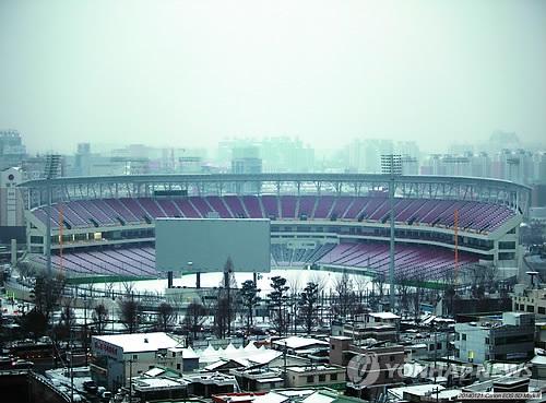 광주-기아 야구장 운영권 재협약 4년째 '난항'