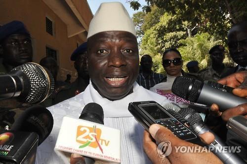 '대선패배' 감비아 자메 대통령 버티기에 서아프리카 전운 고조(종합)