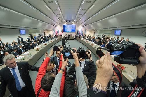 """IEA """"작년 12월 원유 생산량 줄어…OPEC 감산 효과"""""""