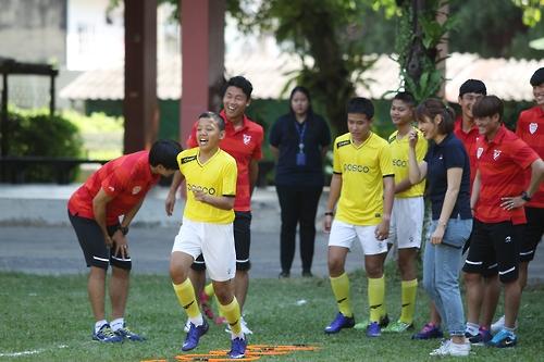 프로축구 포항 스틸러스, 전지훈련지 태국서 축구교실