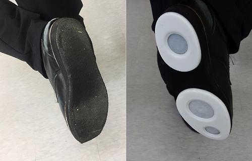 얼음 위를 걷는 컬링, '짝짝이 신발'의 비밀