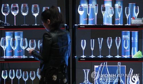 럭셔리 와인 시장, 중국 투자자 복귀에 달아오른다