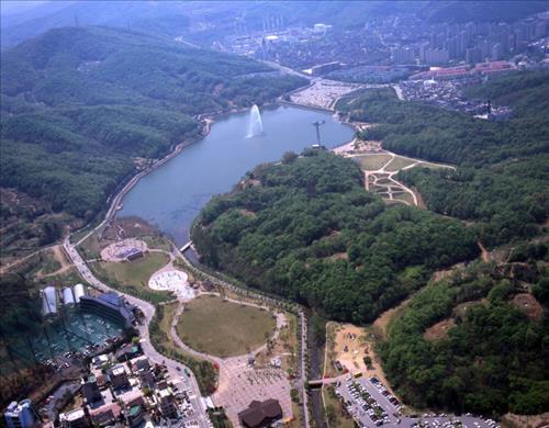 성남시 율동공원 골프연습장 재심의…환경단체 반발