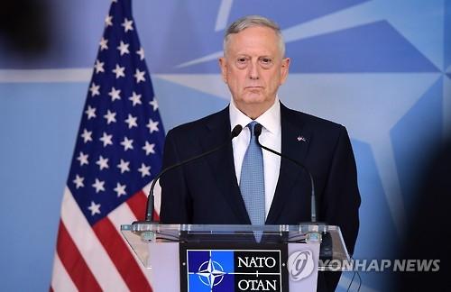 """매티스 美국방, 바그다드 첫 방문…""""석유 빼앗으러 온 것 아냐"""""""