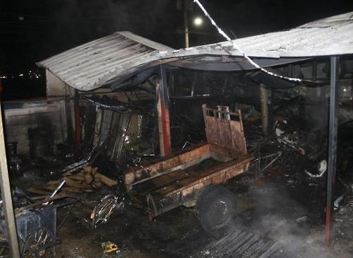 진천 단독주택 창고서 화재…60대 주민 화상