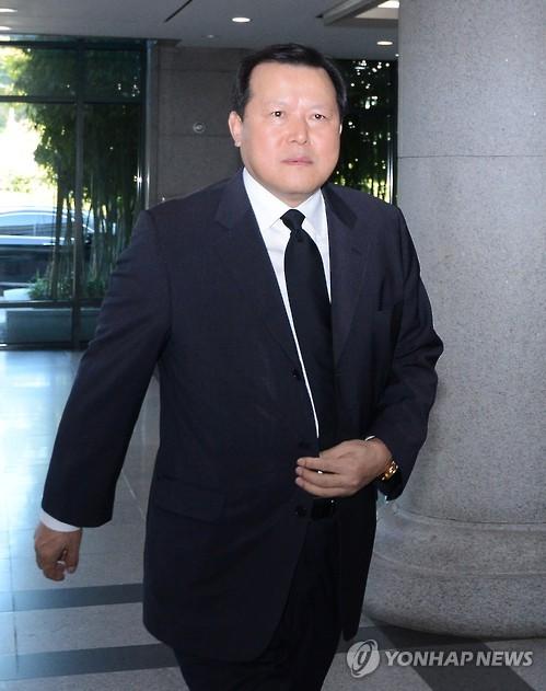 롯데 '컨트롤타워' 수장에 황각규…사회공헌위원장에 소진세(종합)