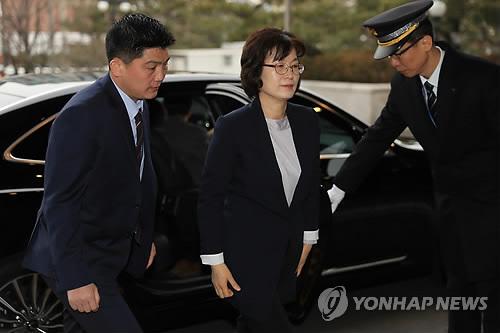 헌재, 경찰에 재판관 '24시간 근접경호' 요청…과열 우려