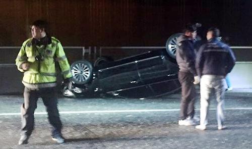 경인고속도로서 승용차 전복…운전자 1명 부상