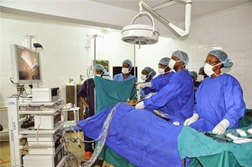 """탄자니아, 의료대란 케냐에 """"의료진 500명 파견"""""""