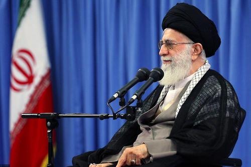 이란 최고지도자, 대선 앞두고 온건 로하니 정부 경제정책 비판