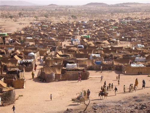 나이지리아 난민캠프에 동시다발 자폭 테러…3명 사망