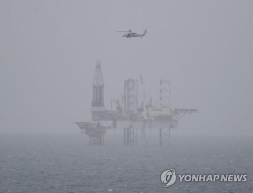 美원유 주간재고 증가분 500만배럴 육박…유가 또 하락
