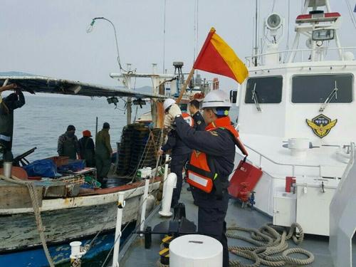 인천 무의도 해상서 어선 표류…선원 5명 전원 구조
