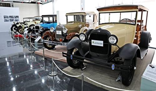 세계 명차 한자리에…경주 보문관광단지 자동차박물관 개관