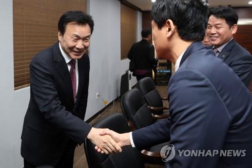 손학규, 광주 사회단체 찾아 호남 표심에 지지 호소